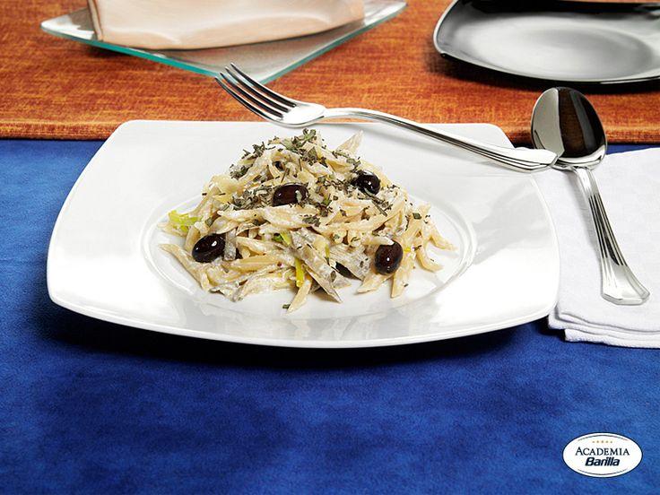 Trofie Barilla con carciofi, ricotta, olive nere e salvia