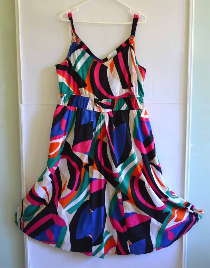 Free Postage (size 18) Suzannegrae Dress - Retro Mod Pattern -  Plus Size XL