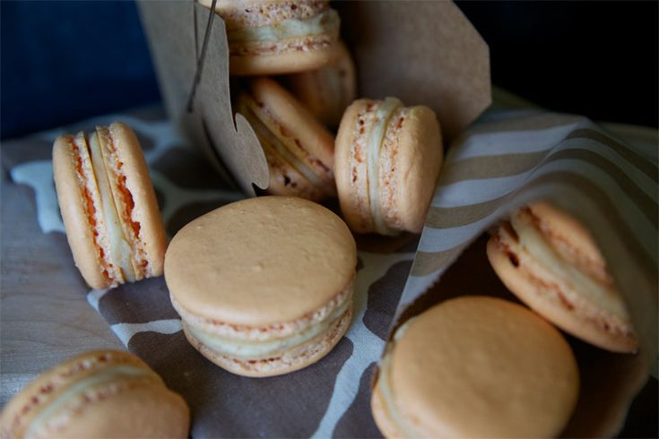 Pumpkin Buttercream French Macaroons // TriedandTasty