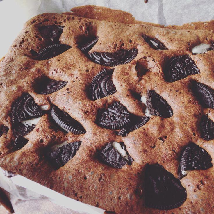 Fudgy oreo brownies