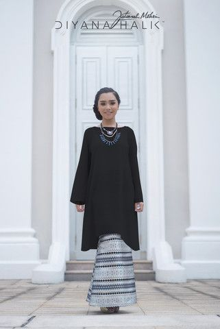 Incorporating fishtail details into your baju kurung will lengthen your…