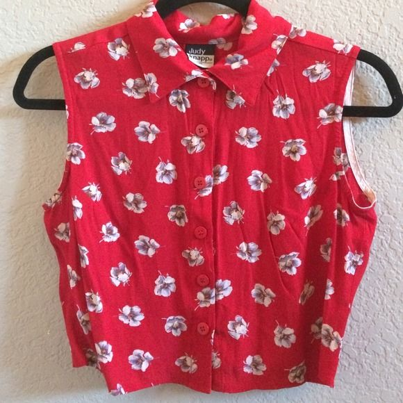 Vintage Hawaiian print button up *please read 'about my closet'* Super cute red Hawaiian print crop top! Buttons up to the top. It's in absolute perfect condition it's never been worn before! Super cute and vintage to be paired with your high waisted jeans, skirt, and shorts! Tops Button Down Shirts