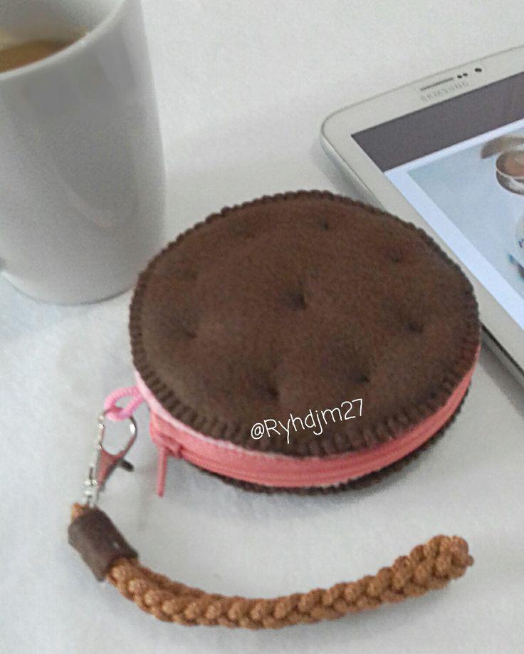 Felt strawberry biscuit purse