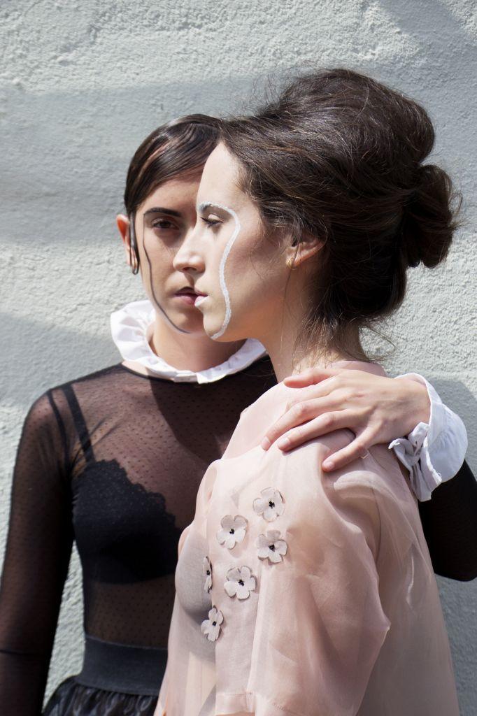 // ROMA CITTA' APERTA PHOTO: ALESSIA ENDRIGHI STYLING: CHIARA FORTUNATO – GIULIA BRESOLIN MARIA FREELANCE MODEL HAIR: MICHELA DALLA BREA MAKE UP: ILARIA ADAMI MARGHERITA FREELANCE MODEL HAIR: MICHELA DALLA BREA – GIADA MARANGON MAKE UP: GIADA MARANGON