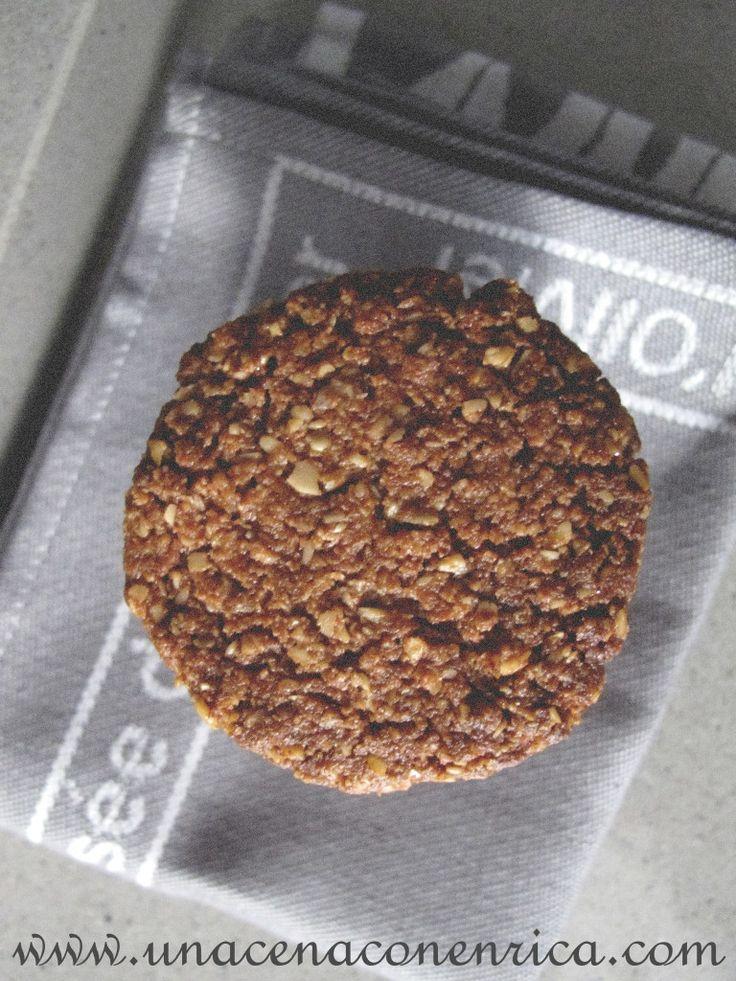 Biscotti vegani con fiocchi d'avena e cacao amaro | Una Cena con Enrica, imparando a cucinare con passione