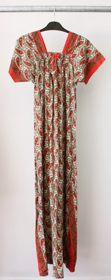 Vintage dress available in Beware of Limbo Dancers  Dkk 299,-