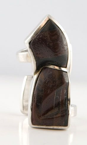 Maschera ring - Wood Collection - Hand made jewel  Shop at www.oficinadarte.it