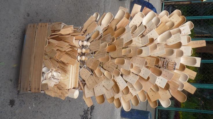 Cucharas de palo de todos sabores y tamaños y formas para cada platillo.