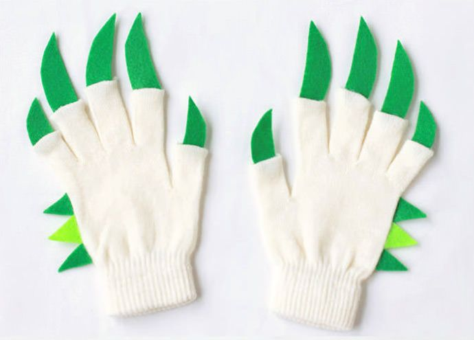 DIY Monster Hands + 9 More Puppets That You Can Make From Gloves
