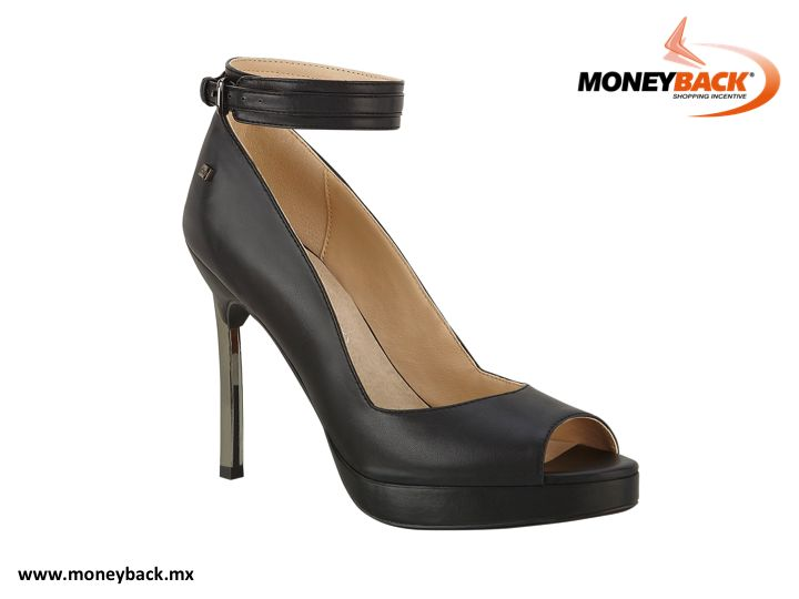 CLOE brings you this amazing PEEP TOE shoe with adjustable ankle bracelet, lady like silhouette with heel and a metal application matching the tone of its hardware. Remember, when buying in CLOE MEXICO you can get a tax refund visiting our module with your purchase receipt. www.moneyback.mx  #moneyback