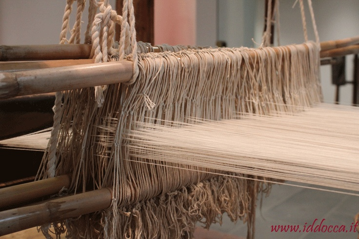 A part of a loom; you can admire it at MURATS, the museum in Samugheo!