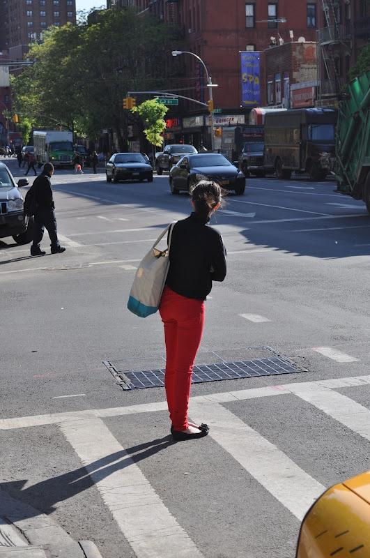 MAJOR TREND RED PANTS on the Streets of NY April 2012.Google Image Result for http://4.bp.blogspot.com/-pevOcq-NWJ0/T5yRzunyyjI/AAAAAAAABrc/cM_XWQu5E_o/s1600/DSC_0076.jpg