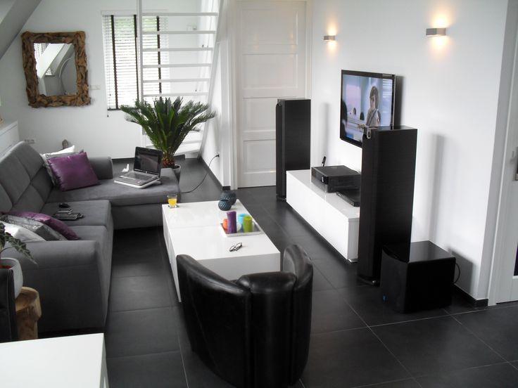 donkere meubels op donkere vloer ilse pinterest donkere meubels meubels en bankstellen. Black Bedroom Furniture Sets. Home Design Ideas