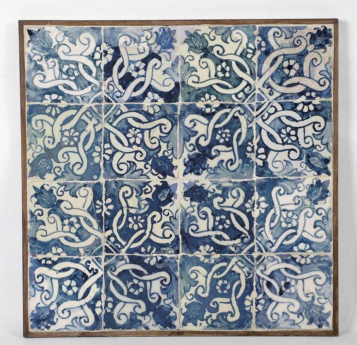 """""""Padrão"""" painel de dezasseis azulejos decoração a azul. Origem portugueses,  séc. XVII"""
