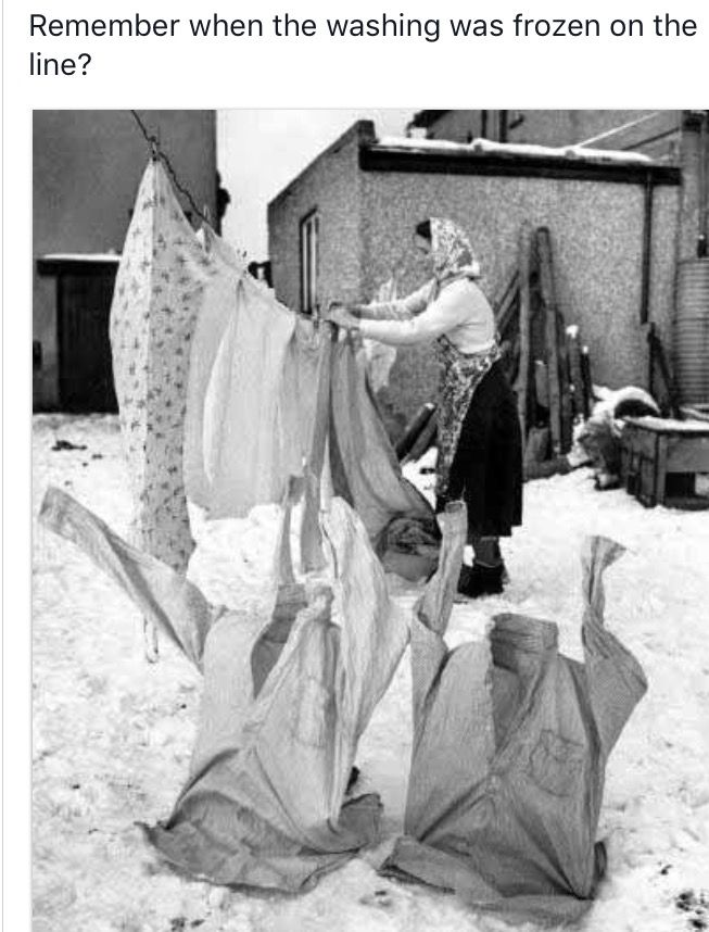 Remember when washing was frozen in wintertime on the washing line 😮