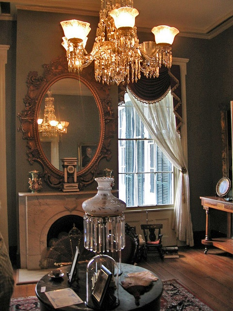 Parlor at Oakleigh Mansion, Mobile by Paul McClure DC, via Flickr