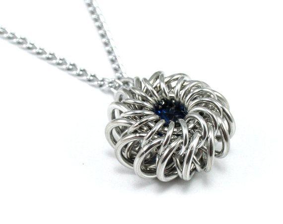 Runde Perlen Chainmail-Halskette häkeln von CelestialBlacksmith