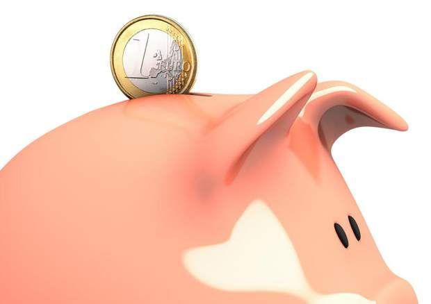 Les banques qui vous font gagner de l'argent... et celles qui vous en font perdre , Pour sept types de client analysés (cadre supérieur, retraité, cadre, employé, jeune, chef d'entreprise,commerçant) , nous avons établi, à l'aide du comparateur Panorabanques, un profil de consommation des services au quotidien (carte bancaire, incidents de paiement, opérations hors zone euro...). Nous avons ensuite défi ni un profil d'épargne (livrets, assurance vie...). Le résultat obtenu (lire le palmarès…