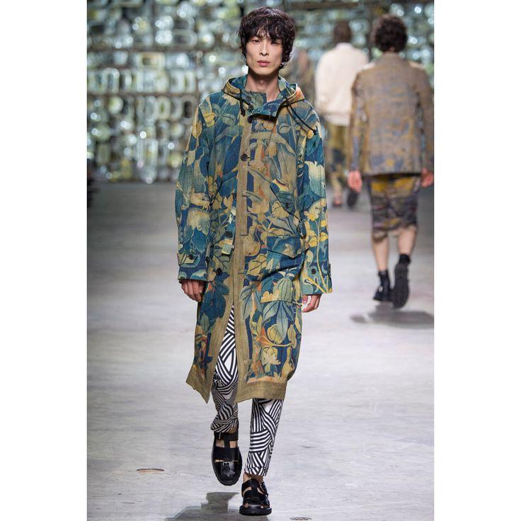 Dries Van Noten  #VogueRussia #menswear #springsummer2017 #DriesVanNoten #VogueCollections