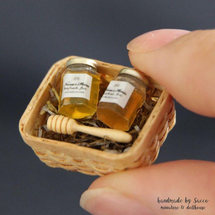 2019.06 Dollhouse Miniature Basket Honey By sacco