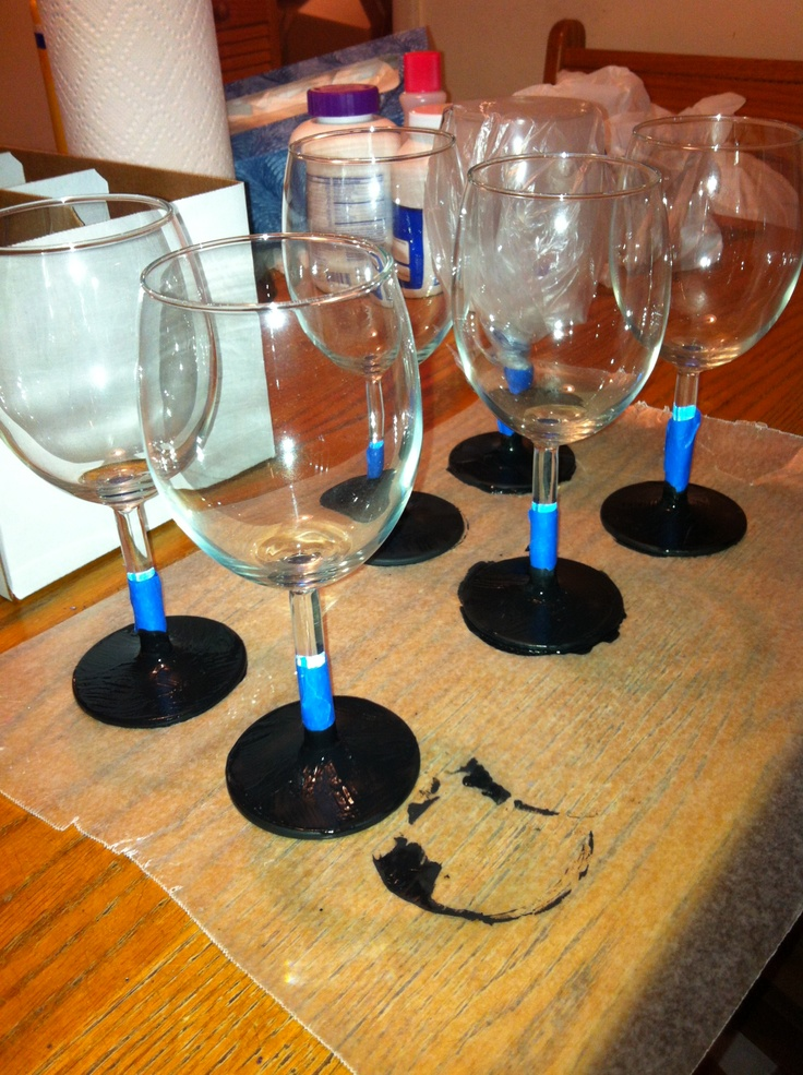 58 best wine glasses images on pinterest painting on for Spray painting wine glasses