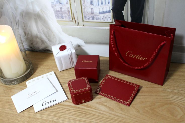 Cartier love ring propose