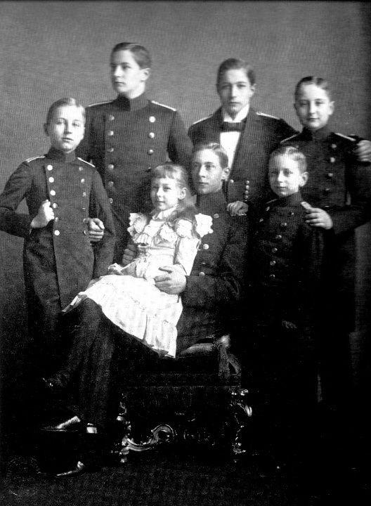 Wilhelm's 7 children.  Back row:  Prince Eitel-Friedrich, Prince Adalbert, and Prince August Wilhelm.  Front:  Prince Oskar, Crown Prince Friedrich Wilhelm holding Princess Viktoria Luise, and Prince Joachim.