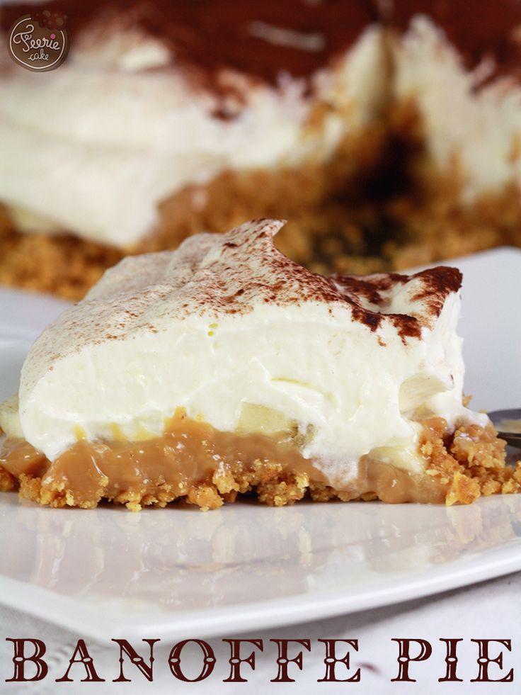 Tout dans ce dessert est exquis… à commencer par le moment où vous ouvrez non sans une petite appréhension le couvercle de la boîte de lait concentré qui a baigné dans l'eau bouillante pendant 2h. Et là, ô délice, ô perfection, une confiture de lait à la couleur caramel qui donne envie de plonger le nez là dedans et ne jamais en ressortir🙂 Ce dessert c'est un péché de gourmandise dans toute sa splendeur. Pour les accrocs au sucre et...Lire la suite