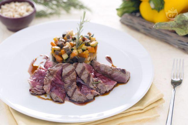 La tagliata di manzo con riduzione di salsa teriyaki e caponatina è il secondo piatto ideale per chi ama la carne rossa. L'entrecote, un taglio di carne particolarmente adatto per la cottura alla …