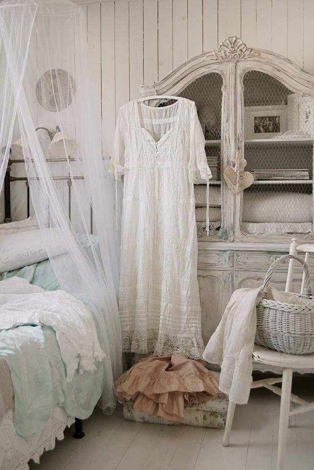 guest bedroom white grey black chippy shabby chic. Black Bedroom Furniture Sets. Home Design Ideas