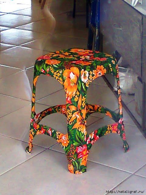 """Оказывается пластиковые стулья и табуреты можно переделать, придав им весьма домашний вид. Ведь иной раз так хочется в кухне иметь лёгкий табурет, чтобы скользил и """"летал"""", невесомый, но практичный. Н…"""