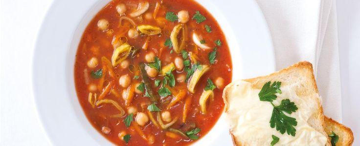 Rajčatová polévka s cizrnou