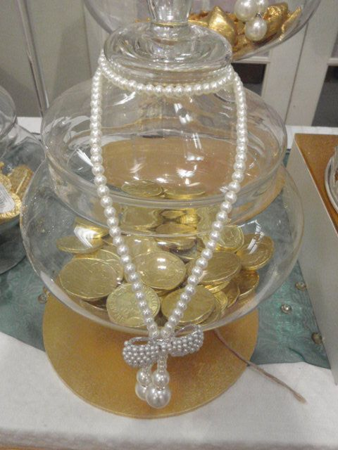 Gold themed Lolly Buffet