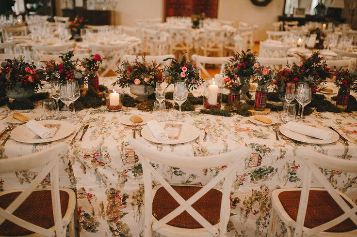 mesas estilo inglés - english style - caza inglesa - temática de bodas - inspiracion bodas - flores - mesa - mantel cazadores