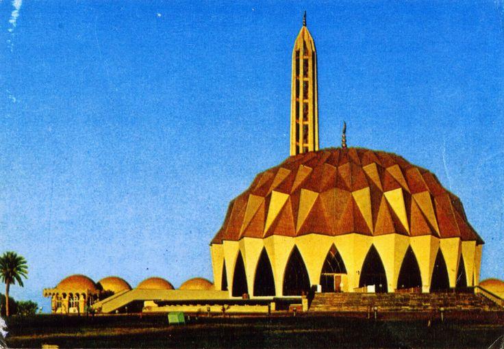 WORLD, COME TO MY HOME!: 1225 SUDAN (Khartoum) - Masjid Al-Nilin in Omdurman