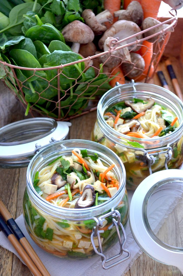 Instant Ocean Ingredients : A recipe for instant noodle soup pots take the dry