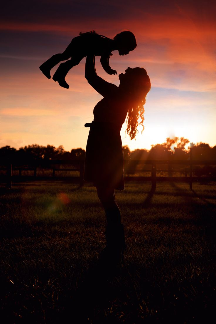 Toddler mommy and me photography. Photo shoot. Country, rustic, sunset