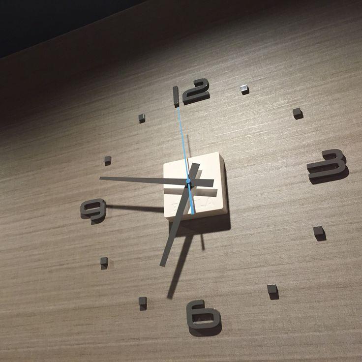 #Renotta365 meets 壁時計をDYI。#BOHLA #インプラントクロック #Renotta #賃貸リノベーション
