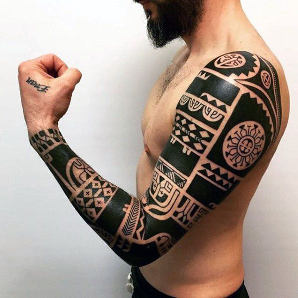 Blackwork Male Hawaiian Tribal Tattoo Arm Sleeve Design Ideas Marquesantribaltattoos Tribal Tattoos Tribal Arm Tattoos Tribal Tattoos For Men