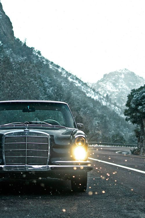 Mercedes-Benz                                                       …