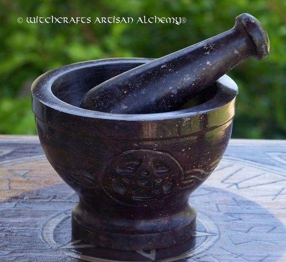 PENTACLE celtique groupe sculpté en pierre ollaire mortier & Pilon - artisanat herbe épice encens meulage Preparation Tool, cuisine Witchery, sorcellerie