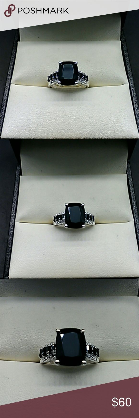 4.75 cts Genuine Black Spinel 925 Sterling Ring Very pretty Black Spinel sterling silver ring. 4.75 carats genuine natural Black Spinel. Solid 925 sterling silver ring. Size 5 FLASH SALE estate 925 Jewelry Rings