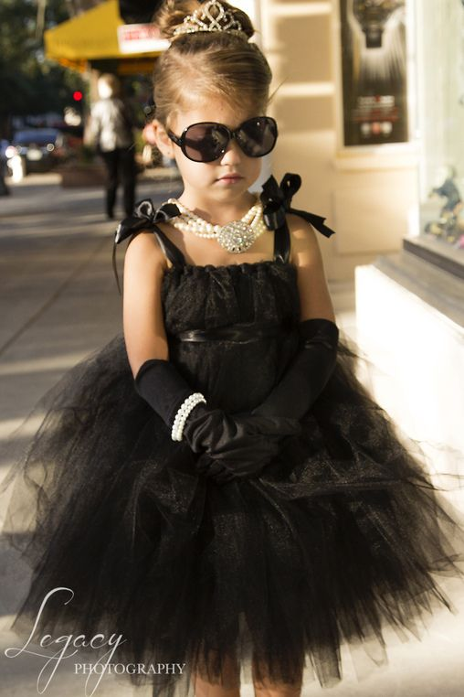 Audrey Hepburn Breakfast at Tiffanys - Halloween Costume Contest via @costume_works