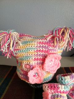 Free Crochet Pattern Baby Pom Pom Hat : Pom Pom baby hat ...free pattern Crochet For Baby and ...