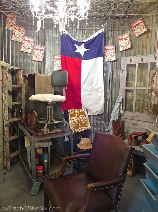 Salvage Sisters Burlington Nc Upcycled Vintage Painted Furniture Metal Junk Display