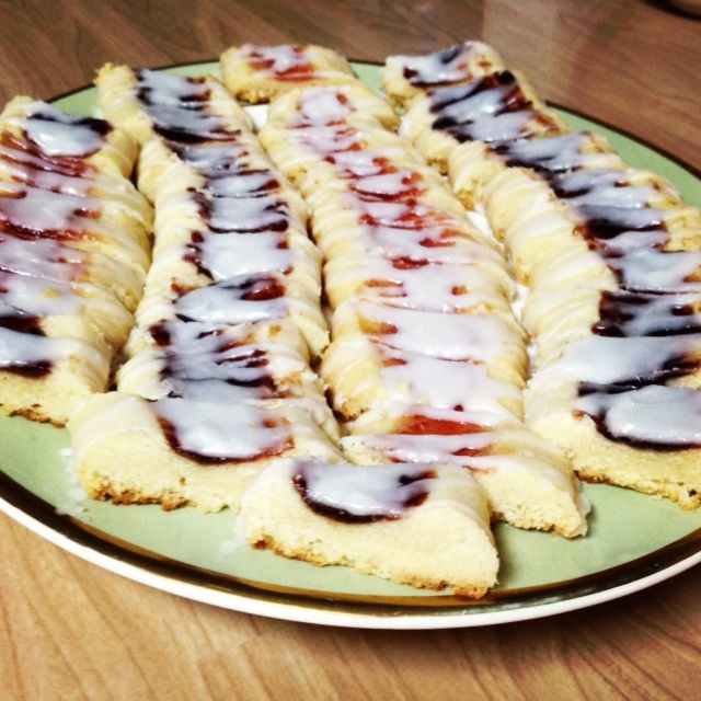 My favorite family recipe for Passover/Days of Unleavened Bread! Pretty, delicious jam diagonals!