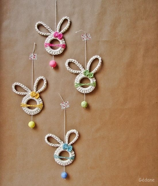 This would make a cute mobile for the nursery.  le blog de Gedane | Happy DIY | lapins.JPG