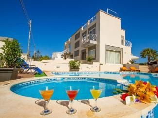 St Julians Bay, 5000 Eur