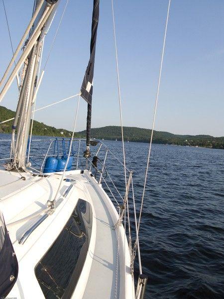 Activité nautique - Voilier sur la rivière Saint-Maurice à Shawinigan