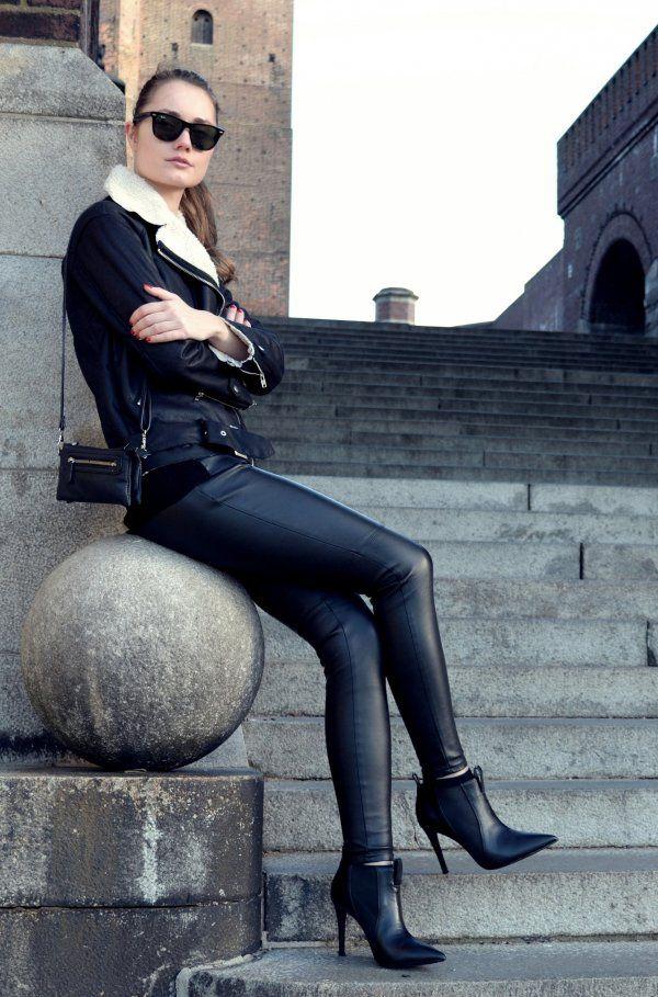 http://improwizuje.pl/leather-black/
